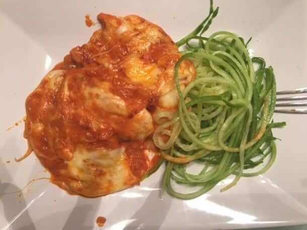 Hähnchen in Tomate-Mozzarella-Gratin