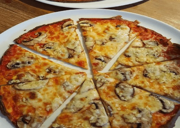 Knuspriger Pizza-Teig