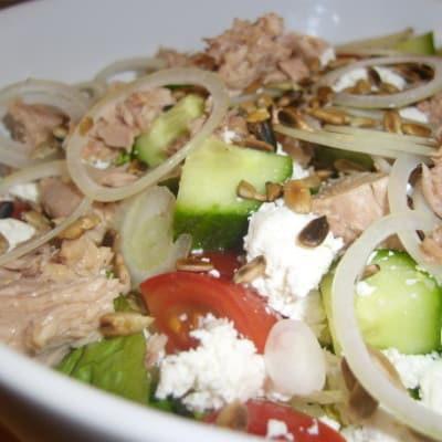 Salat-Büffelkäse